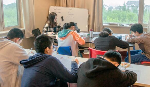 上海叨光培训班父亲条约好多钱